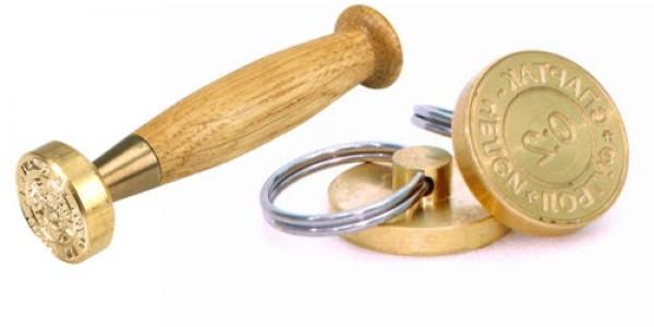 Ștampile metalice și sigilatoare